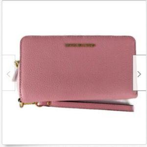 Michael Kors leather smarphone wristlet wallet